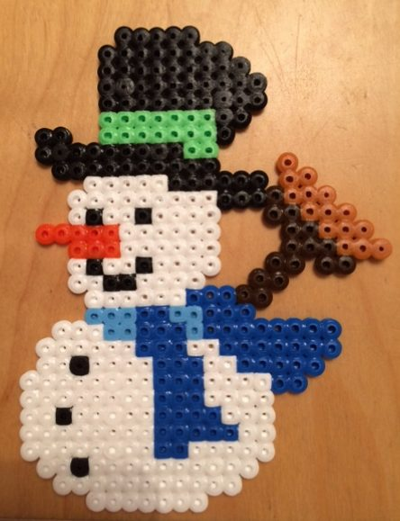 Strijkkralen sneeuwpop - Strijkkralen en zo!